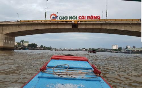 Le marché flottant de Cai Rang, la principale attraction de Cân Tho - ảnh 1