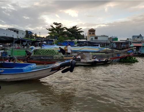 Le marché flottant de Cai Rang, la principale attraction de Cân Tho - ảnh 2
