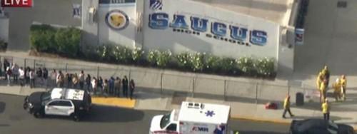 États-Unis: deux morts dans une fusillade dans un lycée en Californie  - ảnh 1