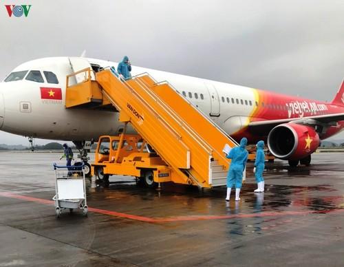 Quang Ninh et Cân Tho reçoivent les passagers en provenance de la République de Corée - ảnh 1