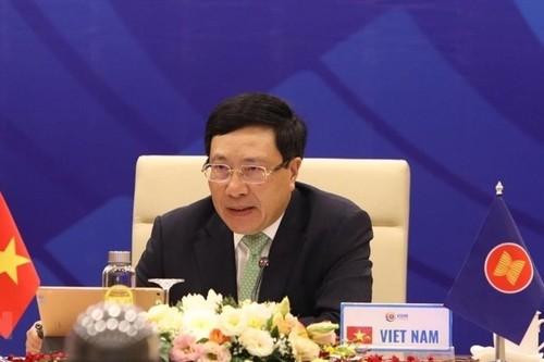 Premières réunions connexes dans le cadre de la 53e réunion des ministres des Affaires étrangères de l'ASEAN - ảnh 1
