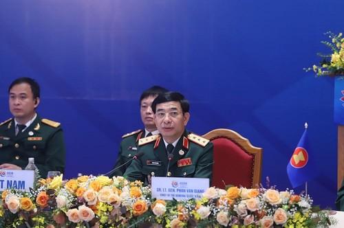 ACDFM-17: améliorer la coopération défensive au sein de l'ASEAN - ảnh 1