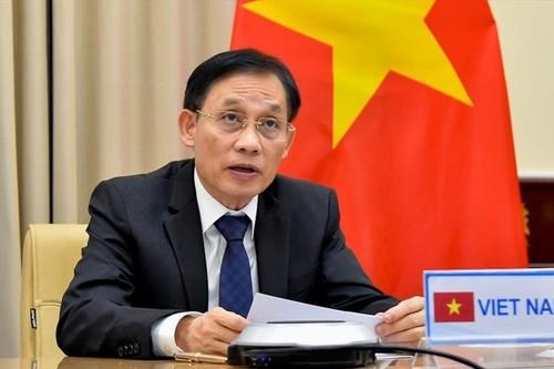Lê Hoài Trung: maintenir un environnement pacifique et stable au service du  développement national - ảnh 1