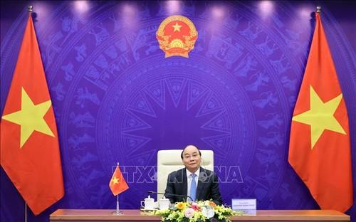 Entretien virtuel entre les Premiers ministres vietnamien-laotien-cambodgien - ảnh 1