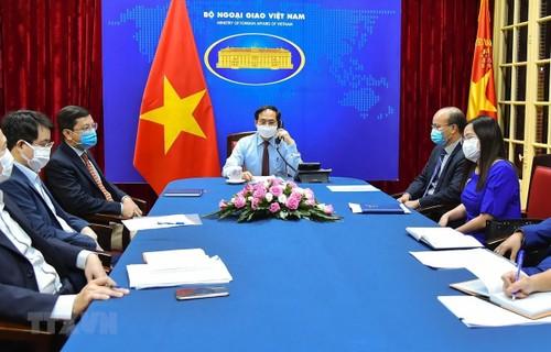 Vietnam-Canada : Entretien téléphonique entre les ministres des Affaires étrangères - ảnh 1