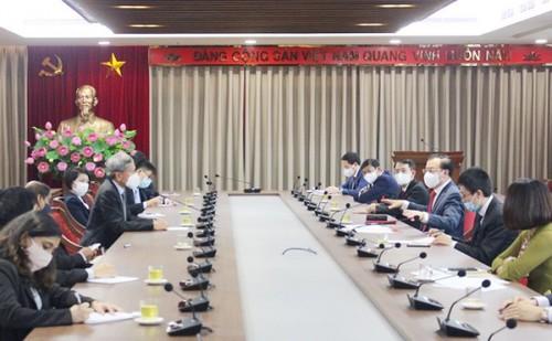 Promouvoir la coopération intégrale entre Hanoï et Singapour - ảnh 1