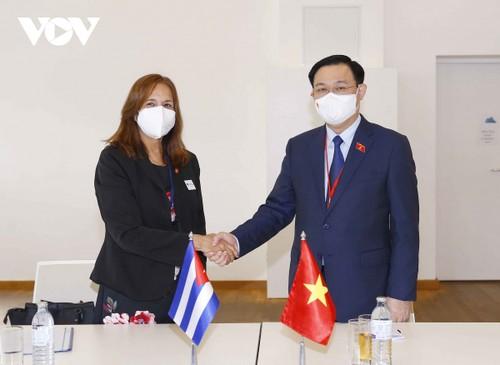 Vuong Dinh Huê rencontre des dirigeants parlementaires internationaux - ảnh 1