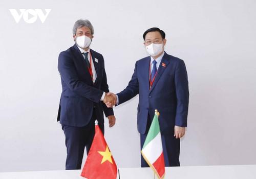 Vuong Dinh Huê rencontre des dirigeants parlementaires internationaux - ảnh 2