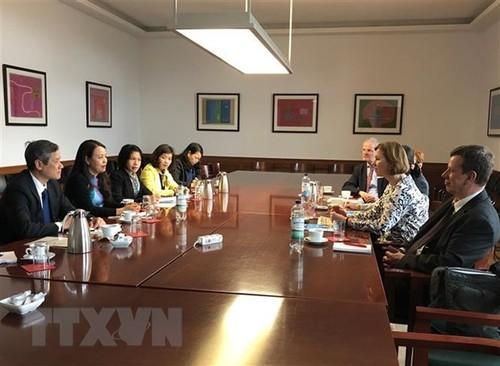 Đoàn công tác Hội Liên hiệp Phụ nữ Việt Nam làm việc tại Đức - ảnh 1