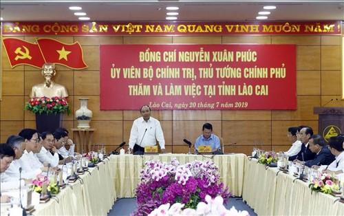 Thủ tướng Nguyễn Xuân Phúc làm việc với lãnh đạo tỉnh Lào Cai - ảnh 1