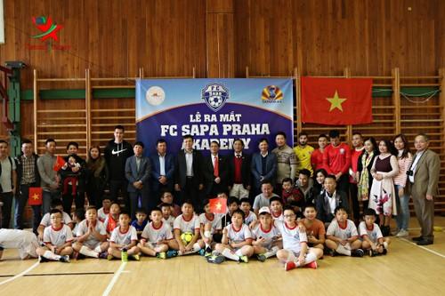 Thành lập Học viện bóng đá người Việt đầu tiên tại Cộng hòa Czech  - ảnh 1