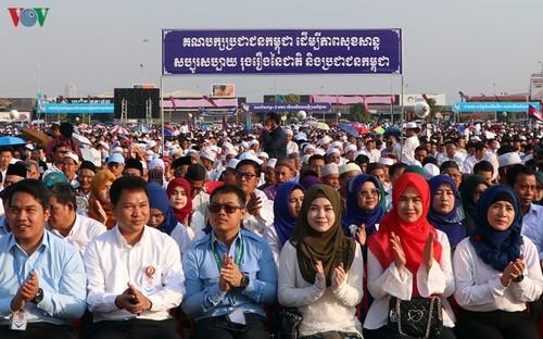 Thủ tướng Hun Sen: Quân tình nguyện Việt Nam đã giúp Campuchia thoát khỏi chế độ diệt chủng   - ảnh 2