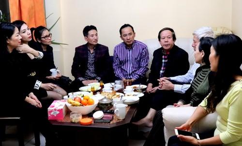 Hội Người Việt Nam tại Ba Lan chúc Tết các thành viên có nhiều đóng góp - ảnh 3