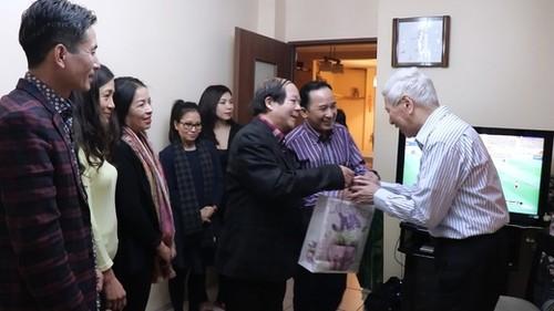 Hội Người Việt Nam tại Ba Lan chúc Tết các thành viên có nhiều đóng góp - ảnh 2