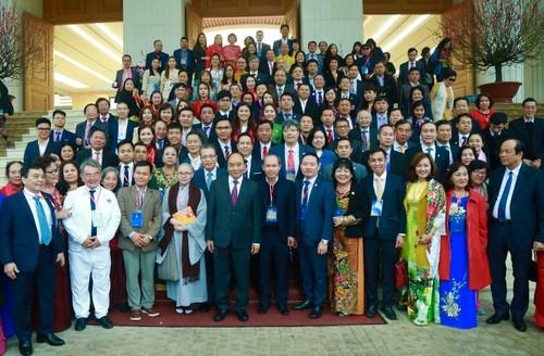 Thủ tướng gặp mặt bà con kiều bào tham dự Xuân quê hương 2020 - ảnh 2