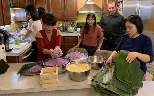 Tết giản dị nhưng ấm cúng trong gia đình người Việt ở Mỹ - ảnh 1