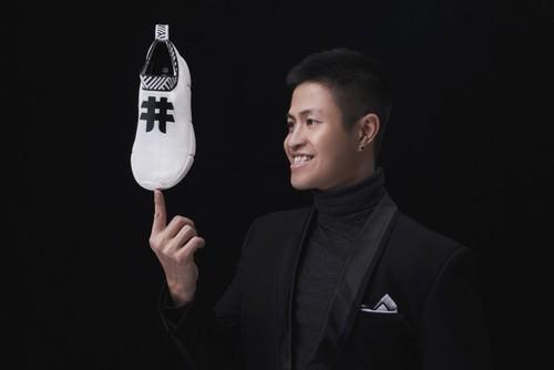 2 chàng trai Việt sản xuất giày từ bã cà phê được Forbes châu Âu vinh danh - ảnh 4