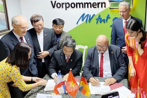 Trung tâm ngoại ngữ MV: Góp một nhịp cầu hợp tác giáo dục kinh tế Việt - Đức - ảnh 2