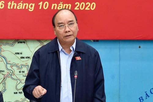 Thủ tướng Chính phủ yêu cầu: Trong bão lũ, cứu người là quan trọng nhất - ảnh 1