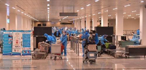 Hơn 340 công dân Việt Nam từ Hàn Quốc về nước cách ly tại Bạc Liêu  - ảnh 1