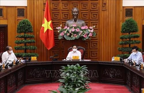 Thủ tướng Chính phủ chủ trì họp Thường trực Chính phủ về phòng, chống dịch COVID-19 - ảnh 1