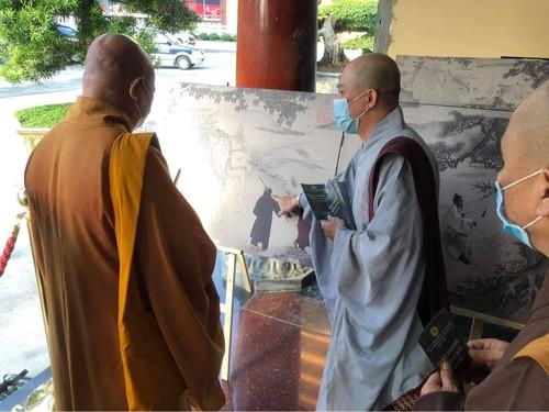 Vietnam Centre triển lãm ảnh Giác hoàng xuống núi nhân Đại lễ Phật đản - ảnh 11