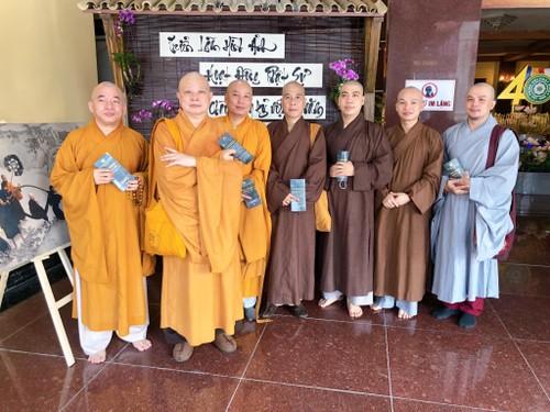 Vietnam Centre triển lãm ảnh Giác hoàng xuống núi nhân Đại lễ Phật đản - ảnh 10