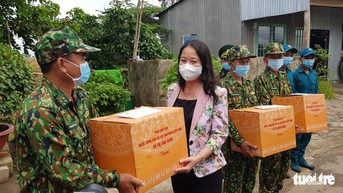Phó Chủ tịch nước Võ Thị Ánh Xuân thăm, động viên lực lượng phòng, chống dịch ở tỉnh An Giang - ảnh 2