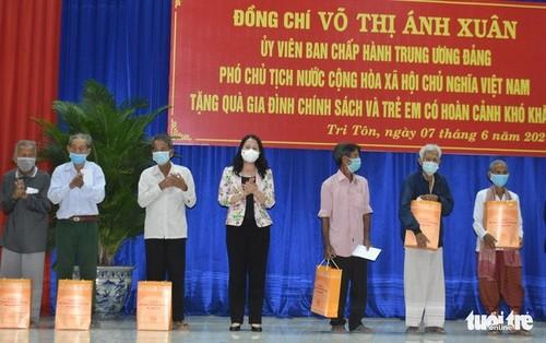 Phó Chủ tịch nước Võ Thị Ánh Xuân thăm, động viên lực lượng phòng, chống dịch ở tỉnh An Giang - ảnh 1