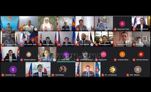 Các nước thành viên Cấp cao Đông Á tăng cường hợp tác - ảnh 1