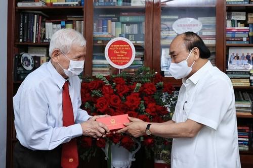 Chủ tịch nước Nguyễn Xuân Phúc tri ân các nhà báo lão thành - ảnh 1
