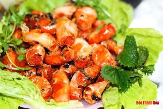 """""""Cha tôm"""" – le pâté aux crevettes, une spécialité de Thanh Hoa"""