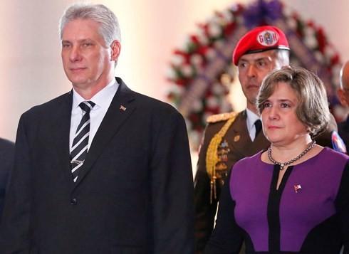 Presidente de Cuba con rumbo a Vietnam para reforzar las relaciones  - ảnh 1