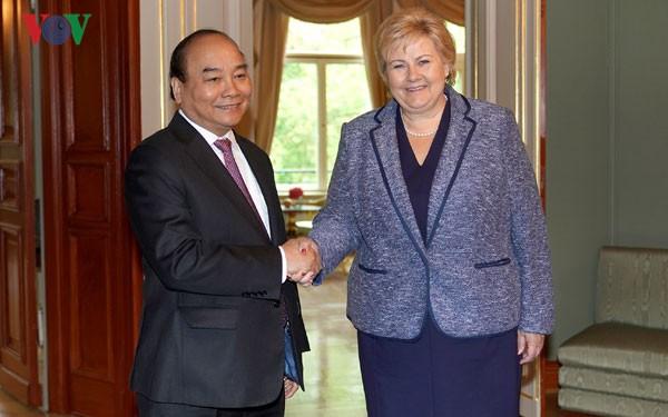 Concluye visita del primer ministro de Vietnam a Noruega - ảnh 1