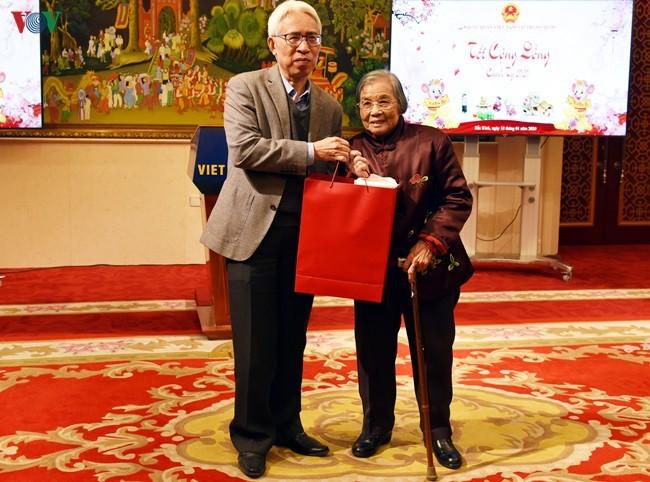 Siguen actividades de comunidad vietnamita en ultramar por el Año Nuevo Lunar del Ratón 2020 - ảnh 1