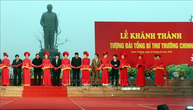 Inauguran estatua del ex líder del Partido Comunista de Vietnam en localidad norteña - ảnh 1