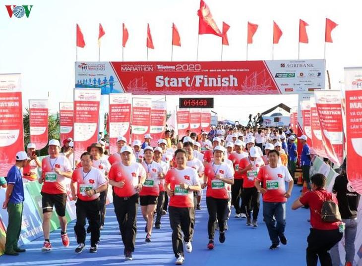 Se celebra Maratón Nacional en isla geoestratégica de Vietnam - ảnh 1