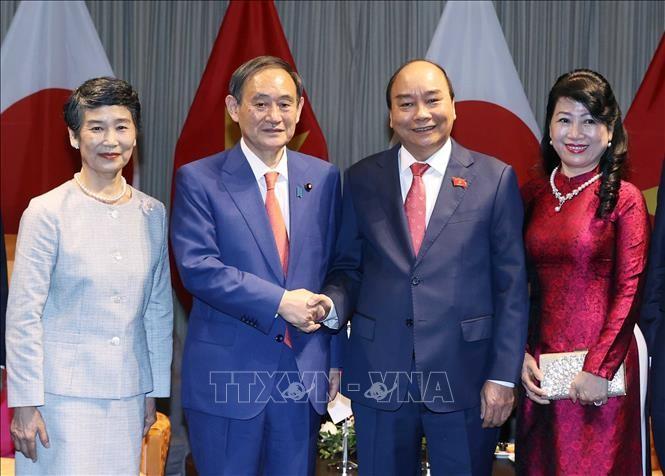 Periódicos nipones siguen de cerca la visita oficial del primer ministro de Japón a Vietnam - ảnh 1