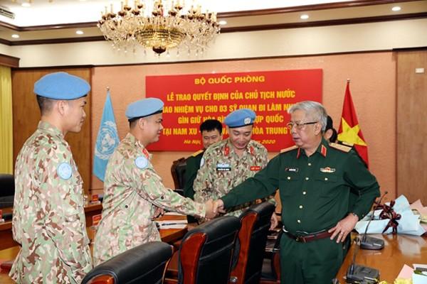 Otros tres soldados vietnamitas asumirán la misión de paz de la ONU en países africanos - ảnh 1