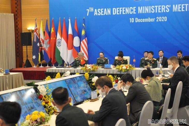 Vietnam traspasa la presidencia de ADMM y ADMM+ a Brunéi - ảnh 1