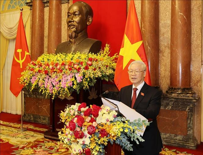 El máximo líder de Vietnam preside la reunión del Buró Político del Partido Comunista - ảnh 1