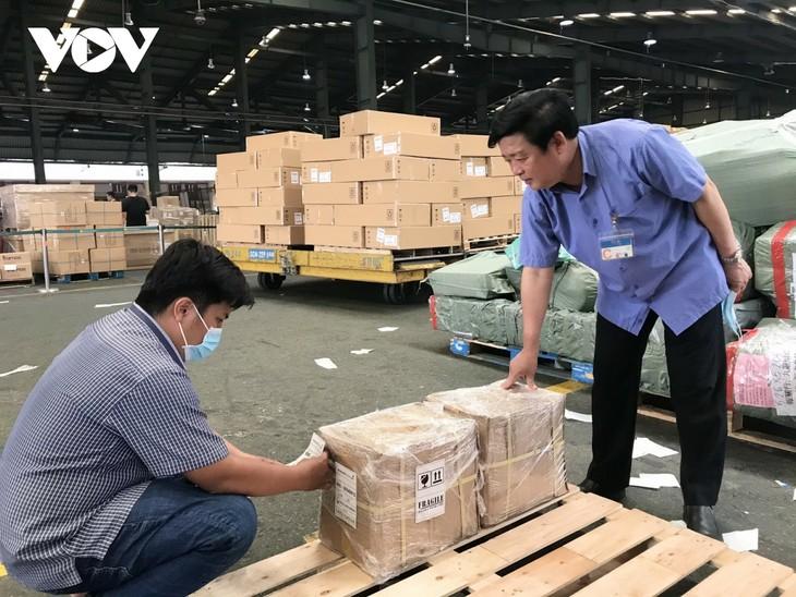 Vietnam exporta el primer lote de ungüento de Quang Tri a Estados Unidos - ảnh 1