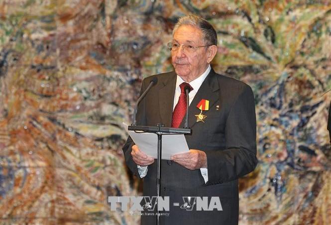 Raúl Castro anuncia el cese de su cargo al frente del Comité Central del PCC - ảnh 1
