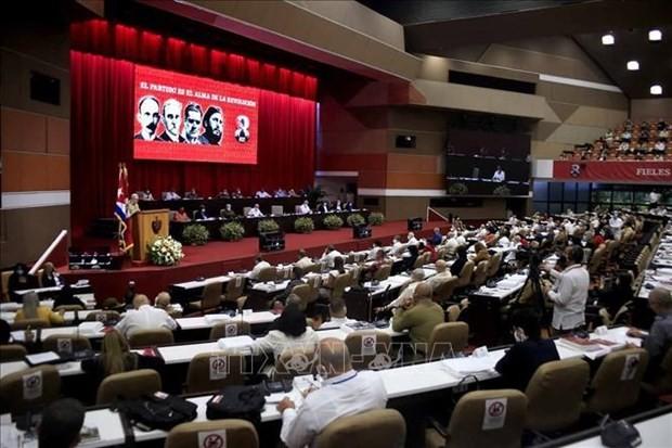 Máximo líder político de Vietnam exalta los aportes de Raúl Castro a las relaciones entre ambos pueblos - ảnh 1