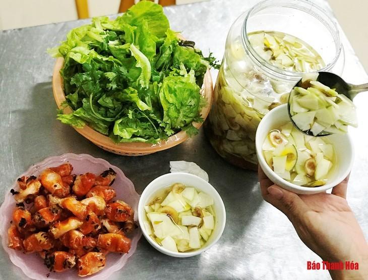 """""""Chả tôm"""" o rollo de camarones o gambas, una especialidad de Thanh Hoa - ảnh 3"""