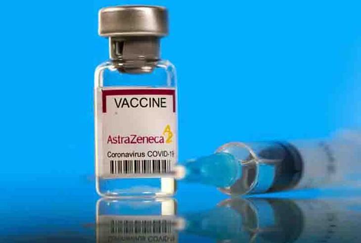 Hoy, casi 1,2 millones de dosis más de la vacuna AstraZeneca han llegado a Vietnam desde España - ảnh 1