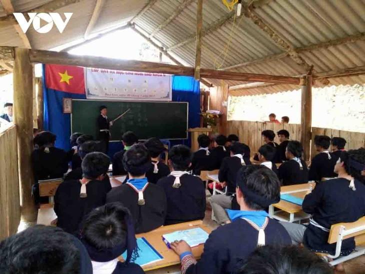 La etnia Dao preserva su escritura gracias a los aportes de un maestro - ảnh 2