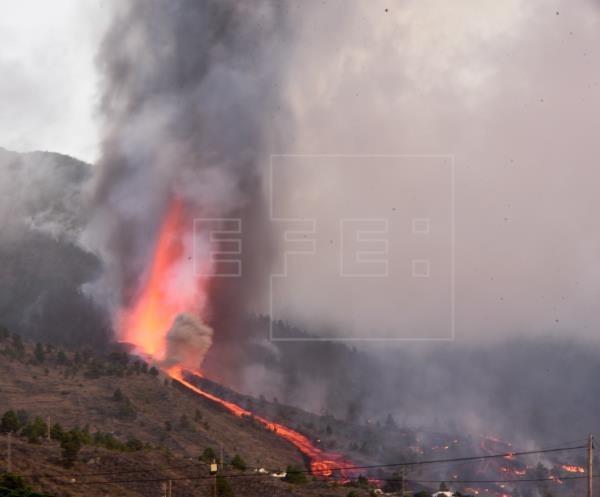 Erupción en La Palma, una de las Islas Canarias - ảnh 1