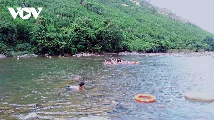 Familias de la etnia Co Tu en Da Nang prospera con el modelo de turismo comunitario - ảnh 2