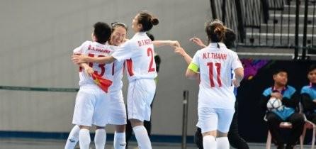 Vietnam ingresa a cuartos de final en el torneo femenino de fútbol de sala - ảnh 1